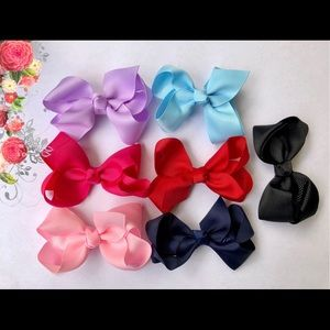 "Other - NEW Set of Seven 3"" hair bows"